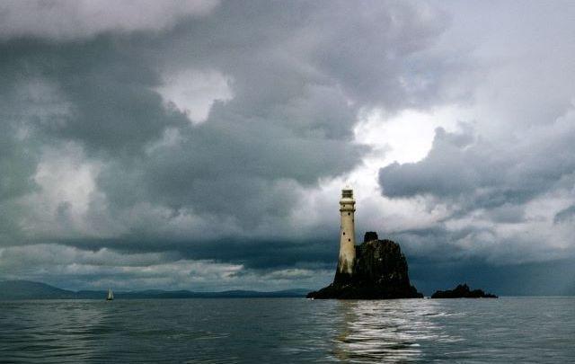 Fastnet Rock, the inspiration behind the Irish tune \'Ciumhais Carraig Aonair\'.