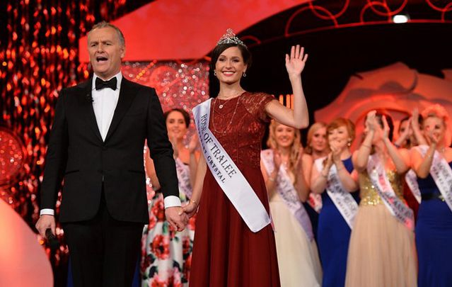 Newly crowned Rose of Tralee Maggie McEldowney with host Daithí Ó Sé.
