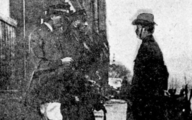 an essay on padraig pearse and the easter rebellion Padraig pearse (1879-1916) padraig and was influential in the build up to the easter rising pearse was present in the gpo during the rising.