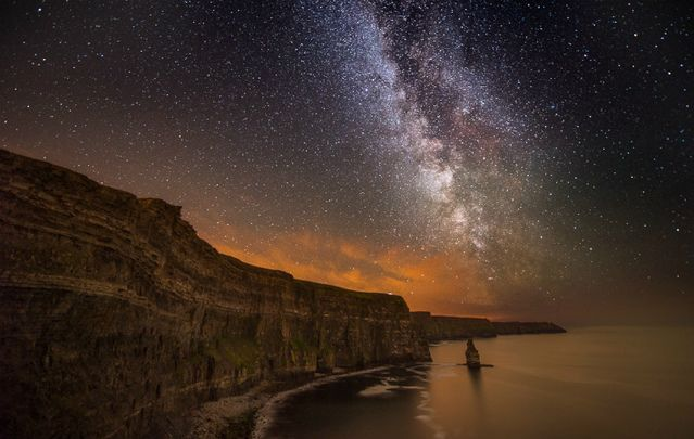 Visit the iconic County Clare attraction of the Cliffs of Moher for magical sunsets, photo ops and an incomparable experience.