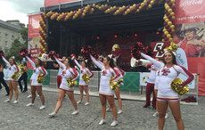 Thumb_mi-bc-cheerleaders-4