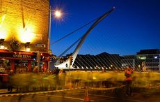 Thumb_main0samuel-beckett-bridge-at-night-dublinglobe-com