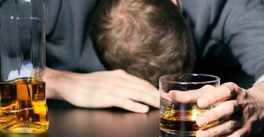 Cropped_hangover-alcohol-istock
