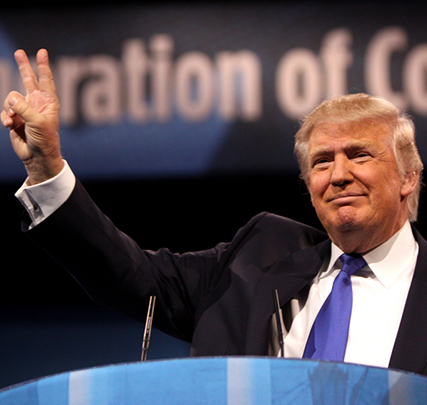 Cropped_maindonald-trump-peace-sign