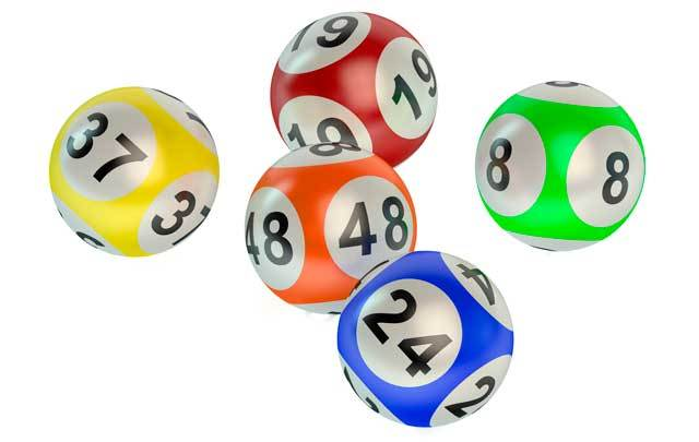 Two EuroMillions prize winners claimed a total of almost €700,000 in prize money last week.