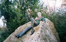 Thumb_oscar-wilde-merrion-park-wiki-arbol01
