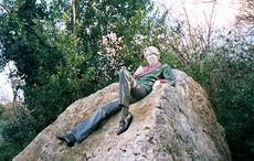 Thumb_oscar-wilde-merrion-park-wiki-arbol01