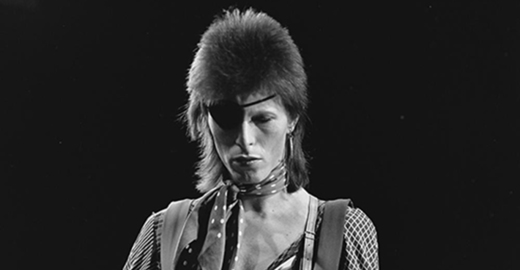 Cropped_mi-david_bowie_-_toppop_1974_10