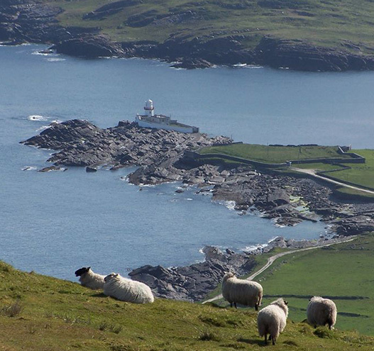 Cropped_cut_medium_valentia_island_lighthouse_tourism_ireland