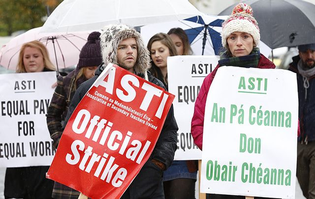 ASTI union workers striking in Dublin.