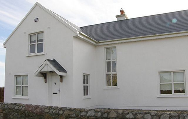 Hook Head, Churchtown, Fethard-On-Sea, County Wexford - Five-bedroom house with two bathrooms - $1,085 (€1,000)