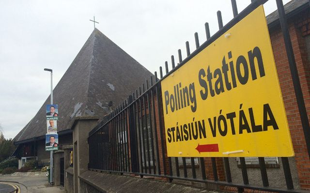 Pressure is growing on the Irish government to extend voting rights in Irish presidential elections to Irish citizens living in Northern Ireland and across the globe. Pictured: A polling station during Ireland's 2016 General Election.