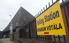 Thumb_1-polling-signs-voting-ireland