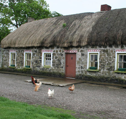 Cropped_thatched-cottage-front