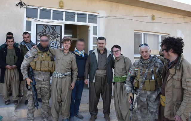 Ready for Road photo with the general of the Peshmerga fighters