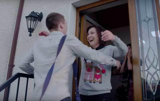 Aer Lingus reunited three Irish families this Christmas.