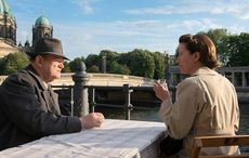 Thumb_mi_main_alone_in_berlin_brendan_gleeson_emma_thompson__2_