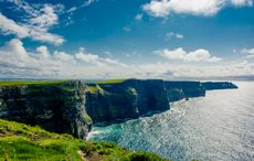 Thumb_cliffs_of_moher_in_county_clare