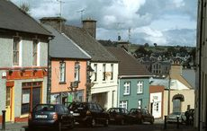 Thumb_killaloe_hill_road_wikicommons