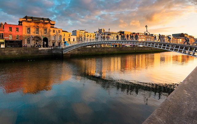 Dublin city center, taken from the Ha\' Penny Bridge. Save your money, stay in an aparthotel smack bang in the middle of the city and spend your time on the streets! Exploring!