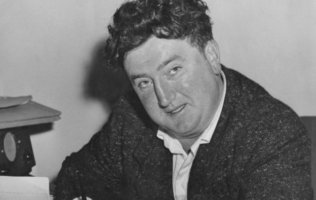 Brendan Behan signs a production contract for his play \'The Quare Fellow\' at the Comedy Theatre in London, 10th July 1956