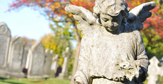 Cropped_angel_statue_graveyard_cemetry_istock