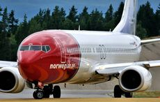 Thumb_norweigan_air_plane_airplane