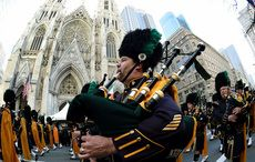 Thumb_st_patricks_day_parade_piper_cathedral