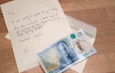 Thumb_5_pound_note_charity_tony_huggins-haig_gallery