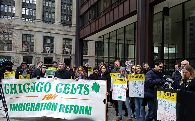 Irish immigration activists braved the frigid Chicago cold this weekend to hold a rally in solidarity with immigrants and refugee.