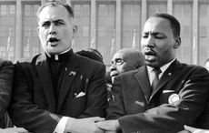 Thumb_mi_father_hesburgh_and_martin_luther_king