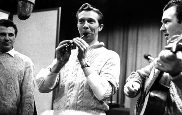The late great Tommy Makem.