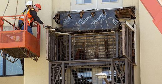 Cropped_berkeley_balcony_collapse_hard_hats_rot_investigators_twitter