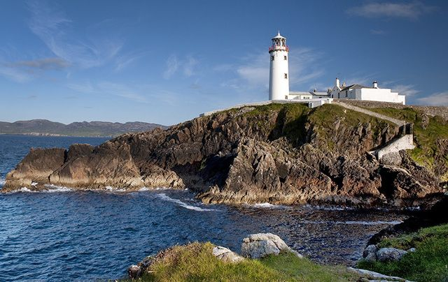 Lighthouses In Ireland Map.Turning The Lighthouses Of Ireland Into Breathtaking Poster Art