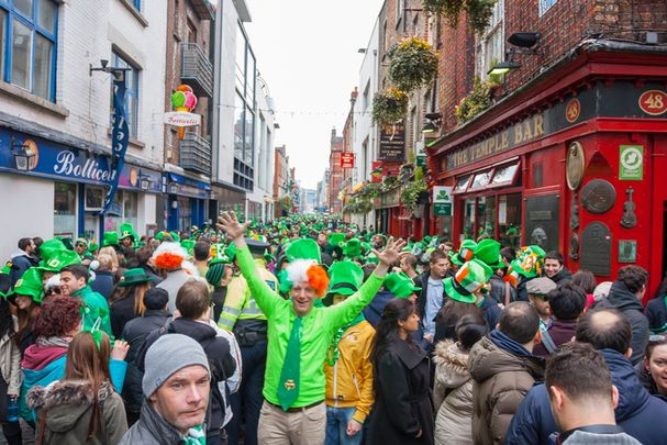 St. Patrick\'s Day celebrations in Dublin\'s Temple Bar in Ireland