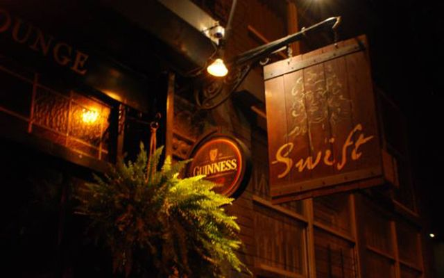 Swift Hibernian Lounge.