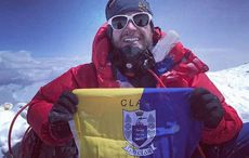 Thumb_everest-clare-flag