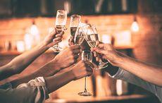 Thumb_champagn-cheers-celebration