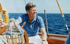 Thumb_1280px-president_vacations_at_hammersmith_farm-_president_kennedy_at_the_wheel_of_the_coast_guard_yacht_22manitou22-_-_nara_-_194211