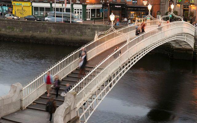 Ha\'penny Bridge, Dublin.