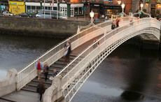 Thumb_mc-dublin-hapenny-bridge