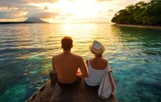 Thumb_vacation_hotel_resort_holiday_sunset_couple_istock