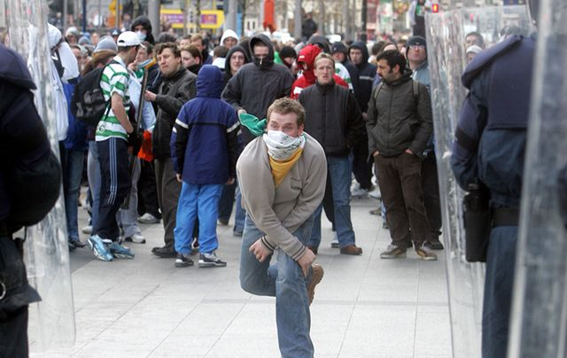 Sinn Fein protesters clashed against Love Ulster campaigners in 2006.
