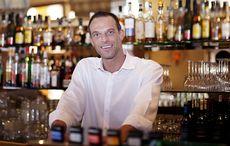 Thumb_pub_bar_barman_istock