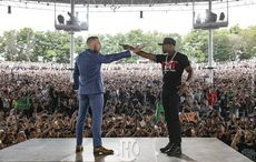 Thumb_resized_floyd_mayweather_conor_mcgregor_showtime