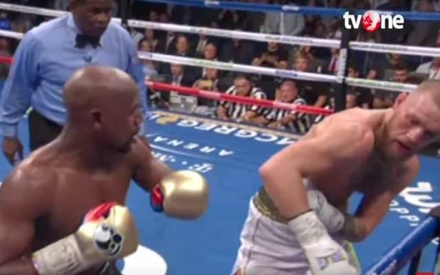 Screenshot of McGregor vs Mayweather fight.