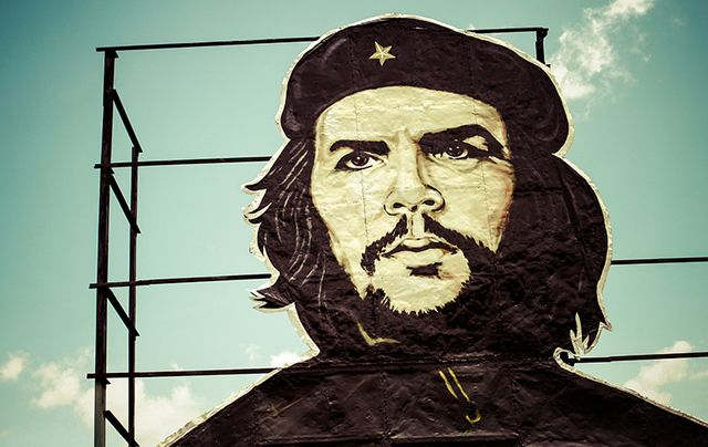 Image of Che Guevara in Miami Airport caused offense.