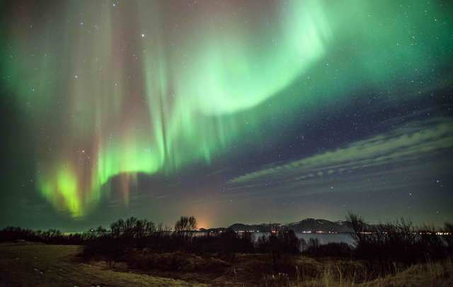 The Northern Lights shine brightly over Ireland this coming weekend.
