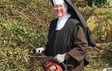 Thumb_hurricane_irma_nun_florida