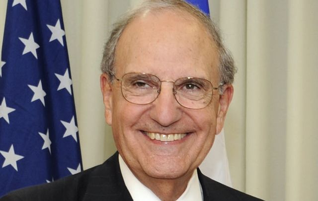 The first U.S. special envoy, George Mitchell.